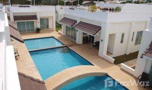 2 Schlafzimmern Immobilie zu verkaufen in Wang Phong, Hua Hin Pineapple Hills Resort