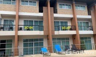 3 ห้องนอน ทาวน์เฮ้าส์ ขาย ใน กะรน, ภูเก็ต The Beach Condotel