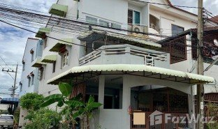 4 Bedrooms Property for sale in Bang Khae Nuea, Bangkok Baan Sinwong Garden