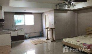 1 Bedroom Property for sale in Wong Sawang, Bangkok J.W.Place