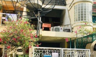 3 Bedrooms Townhouse for sale in Khlong Toei, Bangkok