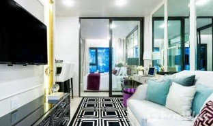 2 Bedrooms Property for sale in Lumphini, Bangkok Life One Wireless