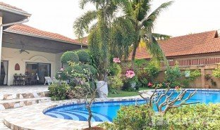 3 Bedrooms Villa for sale in Nong Prue, Pattaya View Talay Villas