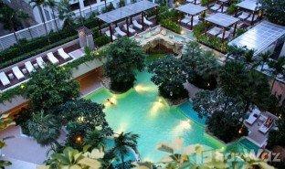 недвижимость, 2 спальни на продажу в Lumphini, Бангкок Baan Rajprasong