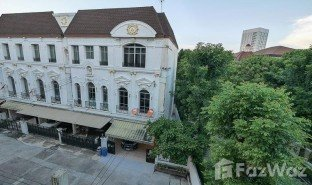 3 Bedrooms Townhouse for sale in Bang Phongphang, Bangkok Baan Klang Krung Grande Vienna Rama 3