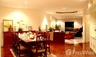 3 Bedrooms Property for sale in Si Lom, Bangkok Trinity Complex