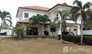 4 Bedrooms Property for sale in Pong, Pattaya Lakeside Court