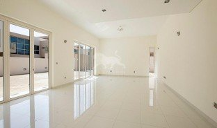 4 Bedrooms Villa for sale in Hessyan First, Dubai
