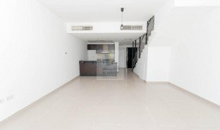 3 Bedrooms Villa for sale in Airport District, Abu Dhabi