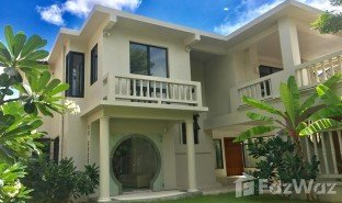 4 Bedrooms Property for sale in Talat Nuea, Phuket