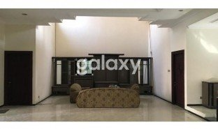 5 Bedrooms House for sale in Dukuhpakis, East Jawa