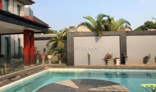 6 Bedrooms Property for sale in Ciracas, Jakarta