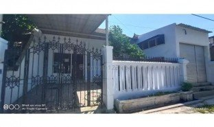 3 Bedrooms Property for sale in Waru, East Jawa