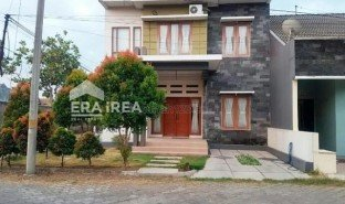 5 Bedrooms Property for sale in Tambakrejo, East Jawa