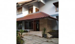 5 Bedrooms Property for sale in Lima, West Jawa