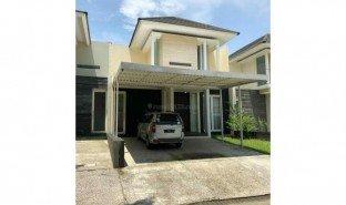 3 Bedrooms House for sale in Lakarsantri, East Jawa