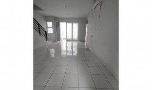 3 Bedrooms House for sale in Bekasi Selatan, West Jawa
