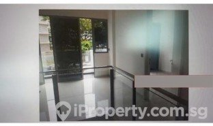 3 Bedrooms Property for sale in Aljunied, Central Region Sims Ave