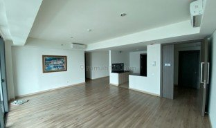 3 Bedrooms Property for sale in Kembangan, Jakarta Jl. Puri Indah Raya Blok U1