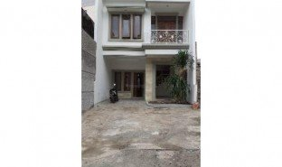 3 Bedrooms Property for sale in Cipayung, Jakarta