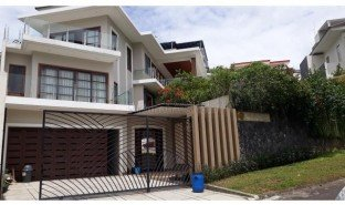 3 Bedrooms Property for sale in Citeureup, West Jawa