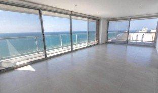 3 Habitaciones Apartamento en venta en Manta, Manabi **VIDEO** Brand new 3 bedroom beachfront with custom features!!