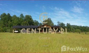 4 Bedrooms Property for sale in Pucon, Araucania