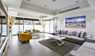 4 Bedrooms Property for sale in Al Tanyah Fourth, Dubai