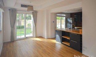迪拜 Al Tanyah Fourth 2 卧室 房产 售