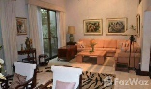 5 Bedrooms Townhouse for sale in Khlong Toei Nuea, Bangkok